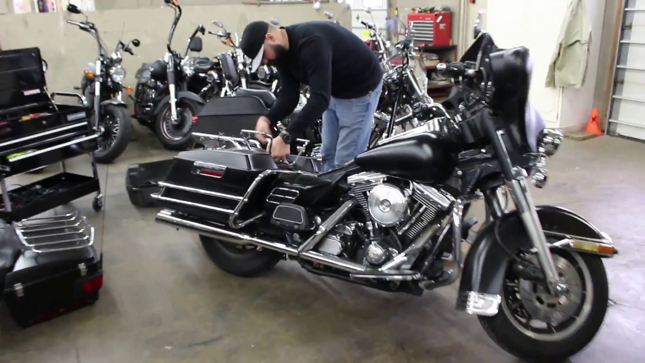 Fail Harley Davidson Tour Pack Removal Srkcyclescom Youtube 1993 Flhs Wiring Diagram