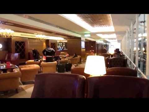 UAE: DUBAI:  DXB INT`L:   BUSINESS CLASS LOUNGE:  CIGAR BAR
