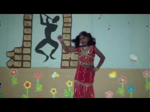 Daddy Mummy Tamil Song by Natashia on Talent Show