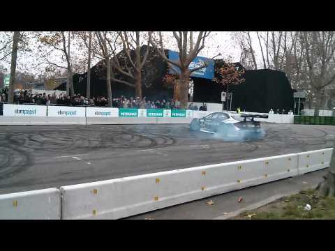 Mercedes Stars and Cars 2014 - DTM doing donuts