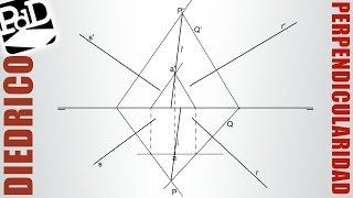 Recta perpendicular a otras dos rectas y pasando por un punto (Diédrico).
