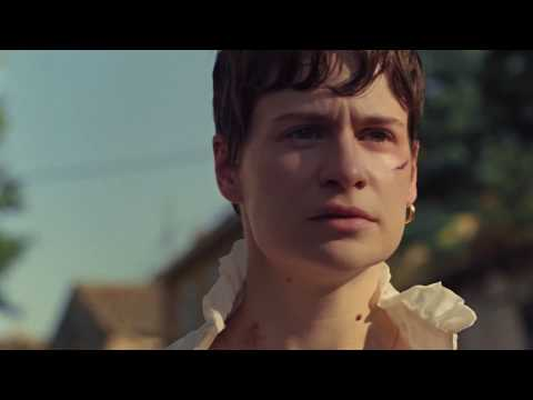 Christine and the Queens - The walker (Official Music Video)