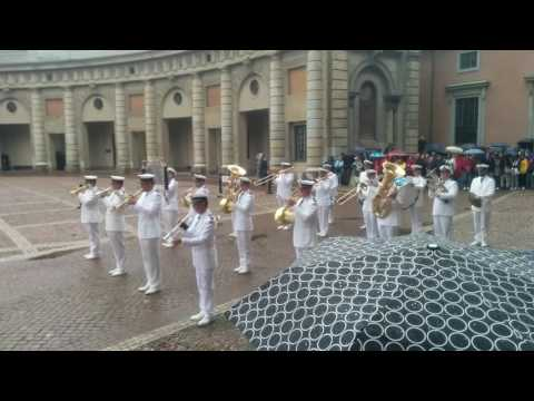 Stockholm Royal Guard change August 2016