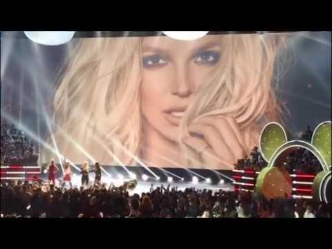 Britney Spears Radio Disney Music Awards Icon Award