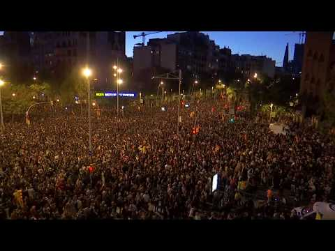 Live Now | Thousands Are At Separatist Protest In Barcelona | Clashes And Fire In Madrid Streets