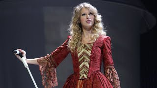 Taylor Swift - Love Story (Live From The  Fearless Tour)