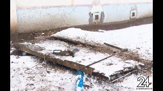 В Альметьевске обрушился бетонный козырек подъезда