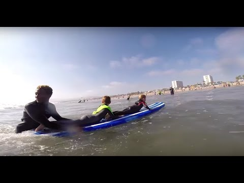 Surf Lesson in Santa Monica for visitors from UK by #AQUASURF