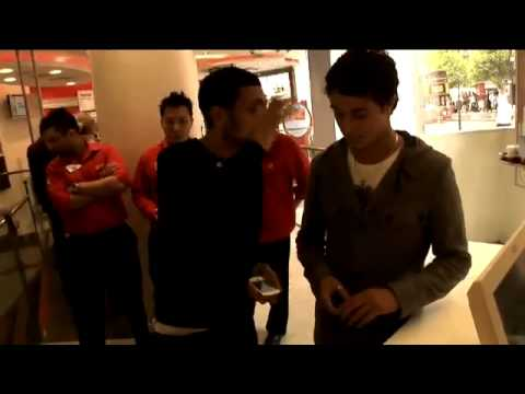 Dynamo At Vodafone shop works his HTC Magic