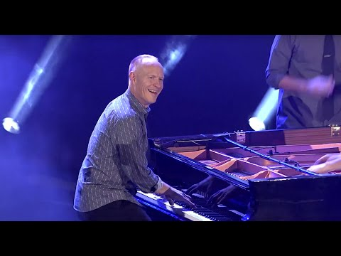 The Piano Guys - What Makes You Beautiful (Live on SoundStage - OFFICIAL)