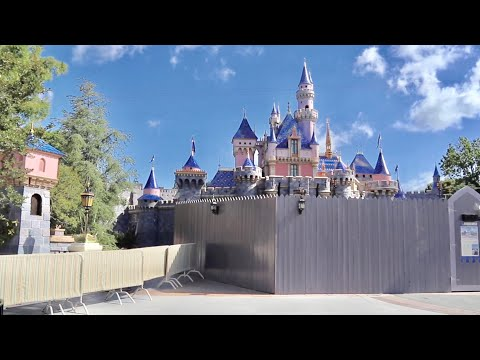 Construction Update Overload at Disneyland and DCA - NEW Castle Reveal / Adventureland Sign & MORE