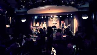THE BAND @ HARD ROCK CAFE  - SUPERGIRL (REAMONN COVER)
