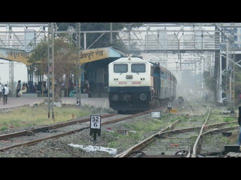 ANGRY WHITE MONSTER with Diesel Thunder Udyan Express Smashes Bhivpuri Road : INDIAN RAILWAYS