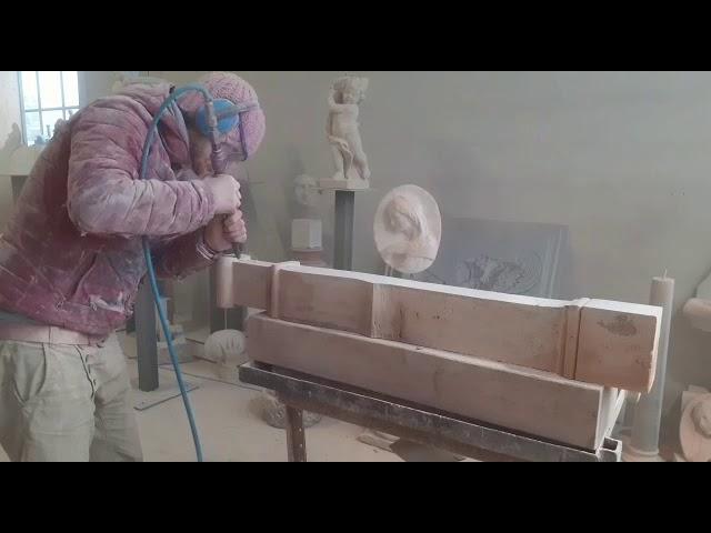 Realizzazione Caminetto in Travertino Rosso - WWW.SCULTUREMARMO.COM