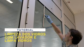 POR No5 Limpeza dos vidros com lavador e limpa vidros.