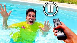 Pausa challenge per una intera giornata in piscina!★ prendi il nostro nuovo libro 2 ➤ https://amzn.to/2oskjjc👕 le nostre maglie originali http://mecontrot...