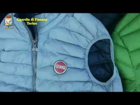 Torino, sequestrati 500 articoli di noti brand al mercato di piazza Benefica
