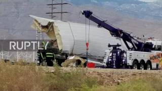 USA: At least 13 dead after tour bus crashes in California