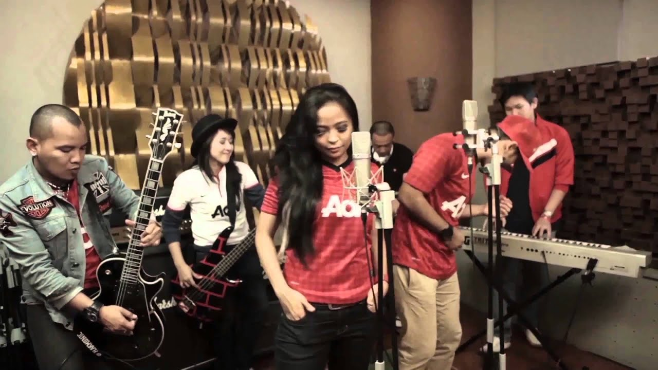 Manchester United song - Glory Glory Man United