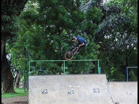 Okke Oktavianus(Udin Go BMX) Freestyle Keren