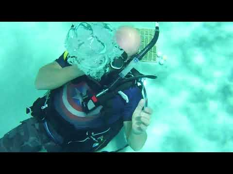 ADI Dives | Instructor Tom Blowing bubble rings