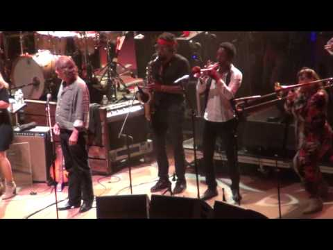 "Tedeschi Trucks Band w/ John Bell - ""Delta Lady"" 7-30-17 Red Rocks Amphi. Morrison, CO HD"