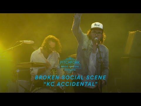 "Broken Social Scene perform ""KC Accidental"" | Pitchfork Music Festival 2016"