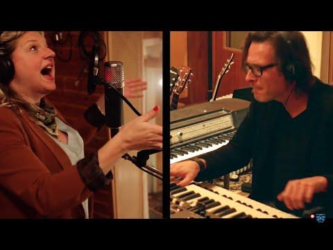 Talk To Me - Laura Vane & The Vipertones (songwriting session) | Crumar Mojo