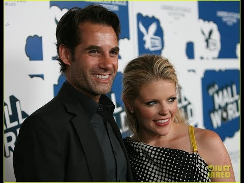Dixie Chicks' Natalie Maines Files for Divorce from Adrian Pasdar After 17 Years of Marriage