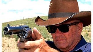Dünyanın en hızlı silah çekip ateş edebilen adamı !