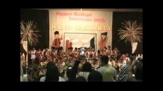 Opening Lagu Medley : Keroncong Kemayoran, Sirih Kuning dan Ondel-Ondel.