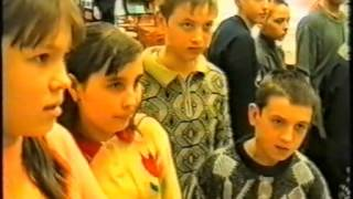 Выступление Бэлы Зиф в центральной городской библиотеке г  Лысьва, 1999
