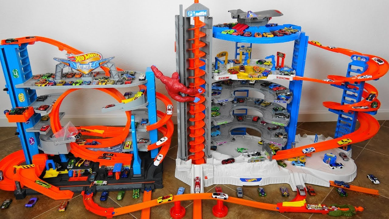 Super Epic Hot Wheels Super Ultimate Garage Vs City Ultimate Garage