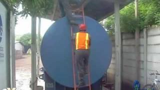 combustible contaminado en tanque