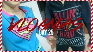IT'S CHRISTMAS IT'S CHRISTMAS| Vlogmas Day 25