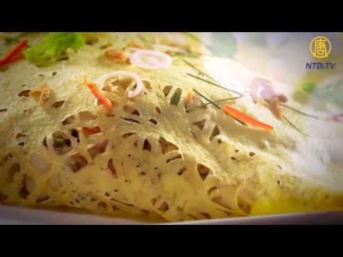 Exquisite Royal Thai Cuisine: Latiang (Egg Net) With Jumbo Prawn