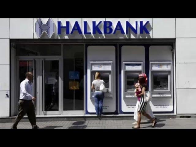 <span class='as_h2'><a href='https://webtv.eklogika.gr/mia-toyrkiki-trapeza-enas-polemos-kai-o-theios-sam' target='_blank' title='Μια τουρκική τράπεζα, ένας πόλεμος και ο...θείος Σαμ!'>Μια τουρκική τράπεζα, ένας πόλεμος και ο...θείος Σαμ!</a></span>
