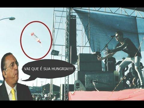 Download Fã joga garrafa pra Hungria no palco, mas... O inesperado acontece!