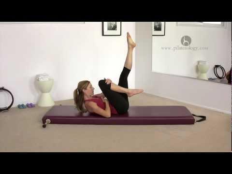 Pilates Single Leg Stretch Exercise with Alisa Wyatt