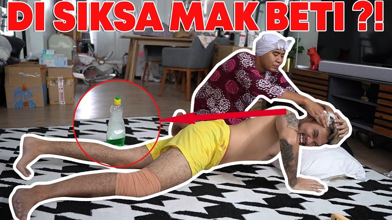 ROY KENA PRANK MAK BETI, DIGUYUR SATU BADAN PAKE SABUN CUCI PIRING!!