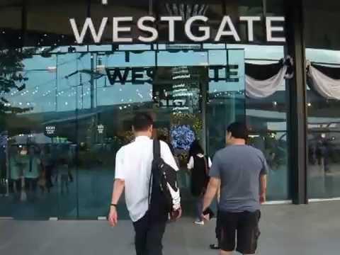 DSCF4426 entering Central Plaza Westgate (Nonthaburi: Greater Bangkok)