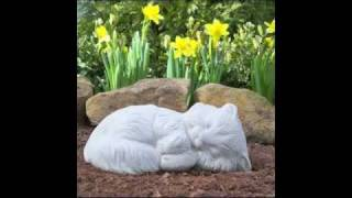 Discover the cutest cat memorial pet statues.  Fun music & nice quotes!