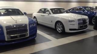 Bãi đỗ toàn siêu xe và xe siêu sang ở Dubai