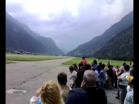 Hunter Jet - Low Pass! 1000 Km/h (Ambrì-Switzerland)
