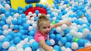 Mamica s-a URCAT in LABIRINT   Playground in SUPERLAND,Brasov