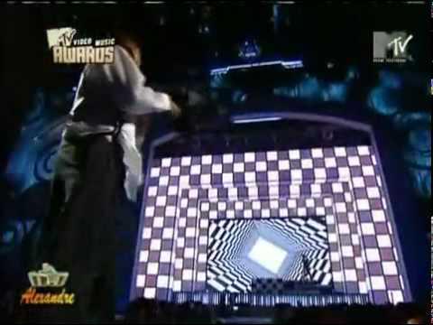 CHRIS BROWN feat RIHANNA   Wall To Wall, Umbrella  Kiss Kiss  Vma Perfomance Live  By DJ Xandão