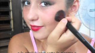 How to...Apply blusher •Tutorial 5 Thumbnail