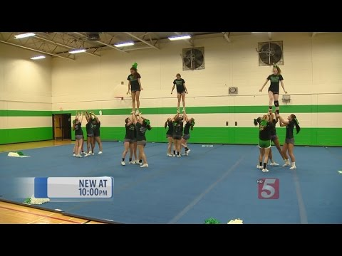 Hillwood High School Cheerleaders Head To National Competition