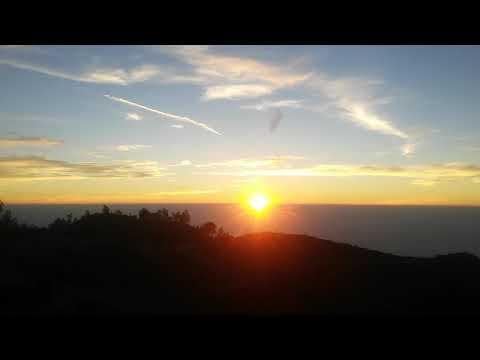 mt.  prau golden sunrise | instrumental sampai jadi debu banda neira.