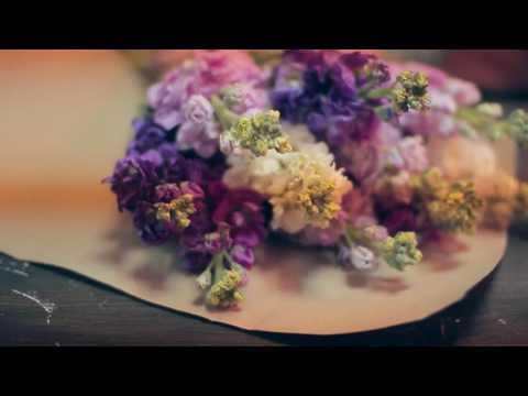 """Доставка букетов и цветов в коробках в Липецке. Цветочная мастерская """"Лаванда""""из YouTube · С высокой четкостью · Длительность: 1 мин2 с  · Просмотров: 257 · отправлено: 01.02.2017 · кем отправлено: artpachino"""